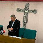 Vaticano, le dimissioni di Becciu e l'ombra dell'affaire con Torzi