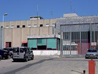 Larino, mini-cellulare occultato in cella: detenuto straniero denunciato dalla Penitenziaria