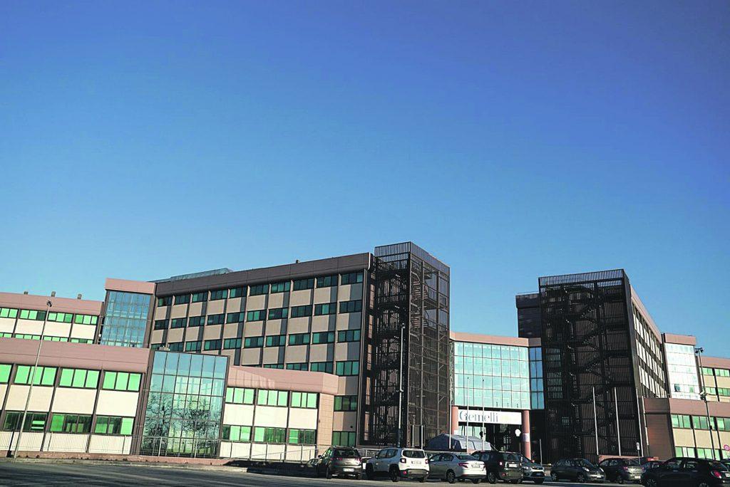 Covid hospital, altro colpo di scena: stop Larino, subito 20 posti al Gemelli Molise