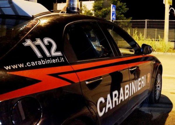 Ruba un Suv e fugge, inseguimento del 112 e veicolo recuperato a Sud