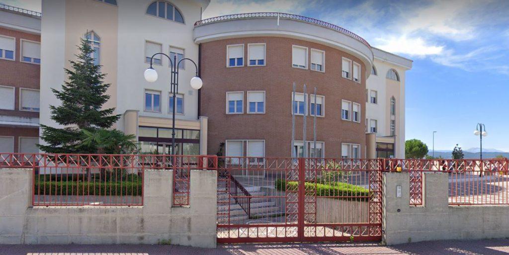 Primo caso Covid a scuola, attività didattiche sospese alla primaria Mascione