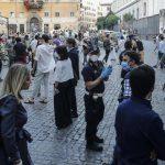 """Eventi e feste in """"lockdown"""": il piano del governo per evitare di fermare l'Italia"""