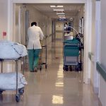 Ricorrere a società esterne per reperire servizi sanitari, succede in piena pandemia
