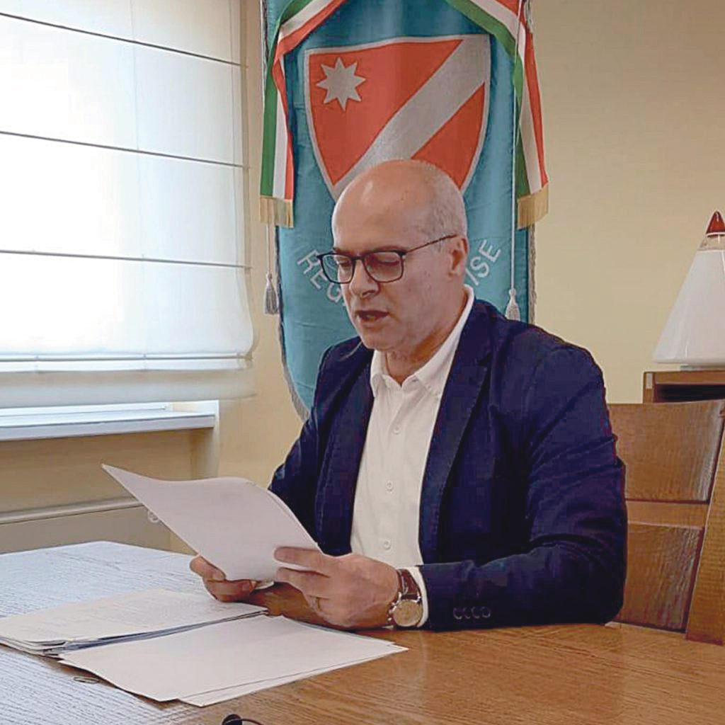 I sindaci scrivono a Toma, lui va al contrattacco: «Allibito e dispiaciuto, li informo di tutto: nota strumentale»