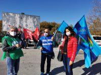 Grido d'allarme dei sindacati: «I sanitari sono allo stremo»