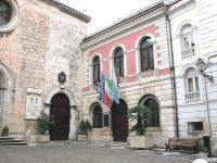 D'Apollonio salvo per un pelo, la Lega vota no al bilancio e Aida attacca: vergogna!