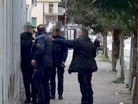 Campobasso, puntò la pistola contro un detenuto in fuga: archiviato anche il procedimento disciplinare