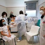 Stoccaggio, punti vaccinali & Co: ecco il piano 'ad interim', pesa la carenza di personale