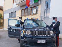 Mirabello, minaccia la moglie e  la insegue impugnando una mannaia: arrestato