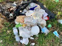 Bojano, abbandonano i rifiuti dopo la festa clandestina