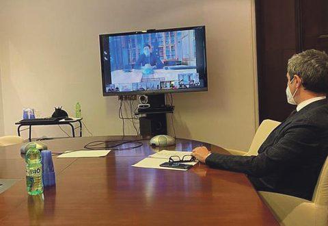 E' cominciato il tavolo, in videoconferenza, convocato dal ministro del Lavoro e delle Politiche sociali, Andrea Orlando, insieme al ministro della Salute, Roberto Speranza, e al ministro dello Sviluppo economico, Giancarlo Giorgetti, con le parti sociali per una valutazione sul funzionamento dei protocolli di sicurezza e sui vaccini nei luoghi di lavoro, 04 marzo 2021.  ANSA / Immagine tratta dal profilo Twitter Ministero Lavoro  +++ATTENZIONE LA FOTO NON PUO' ESSERE PUBBLICATA O RIPRODOTTA SENZA L'AUTORIZZAZIONE DELLA FONTE DI ORIGINE CUI SI RINVIA+++   +++NO SALES; NO ARCHIVE; EDITORIAL USE ONLY+++