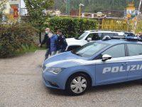Ruba una Fiat 500 a Campobasso e si dà alla fuga, prima dell'arresto ferisce tre finanzieri