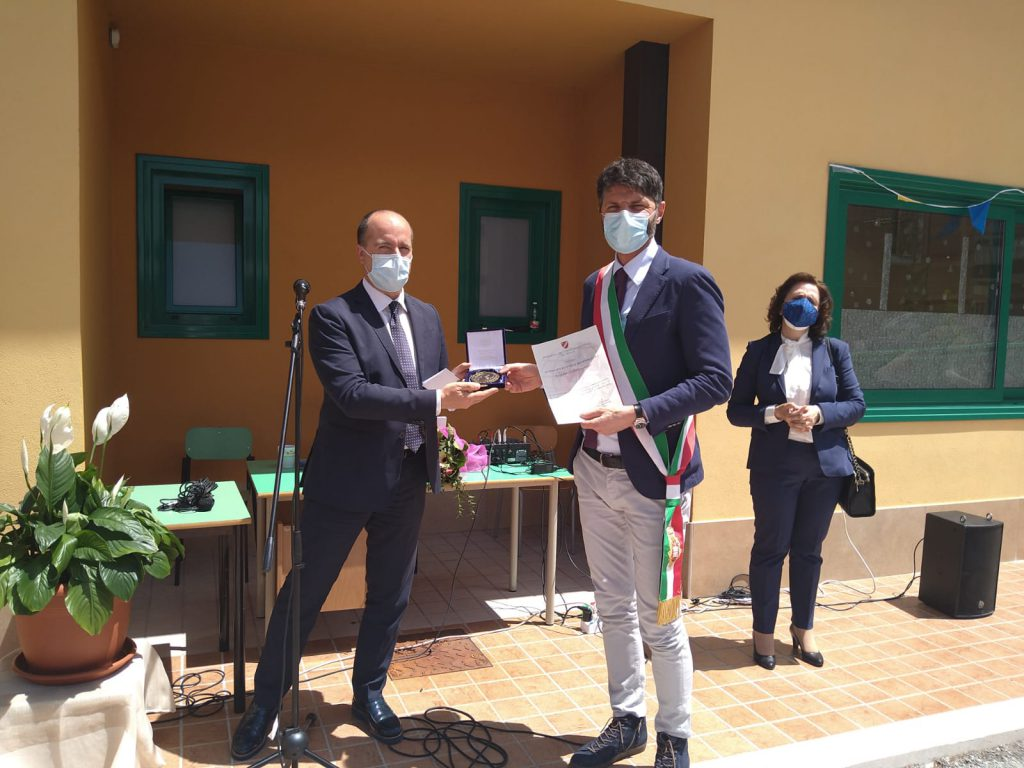 Emergenza Covid, il presidente Micone 'incorona' Roberto Gravina
