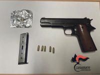 Campobasso, sembra un giocattolo ma la pistola ha caricatore e proiettili: 25enne in manette