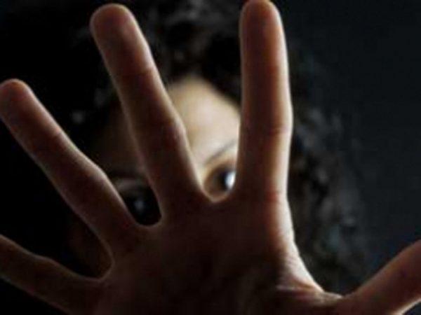 Padre orco in carcere: l'orrore svelato dalla figlia vittima di abusi per anni