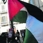 «Non è una guerra ma un massacro», scende in piazza la solidarietà per la Palestina