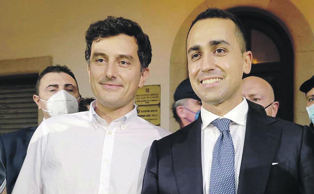 Isernia, Di Maio riempie la piazza: Castrataro è il sindaco giusto