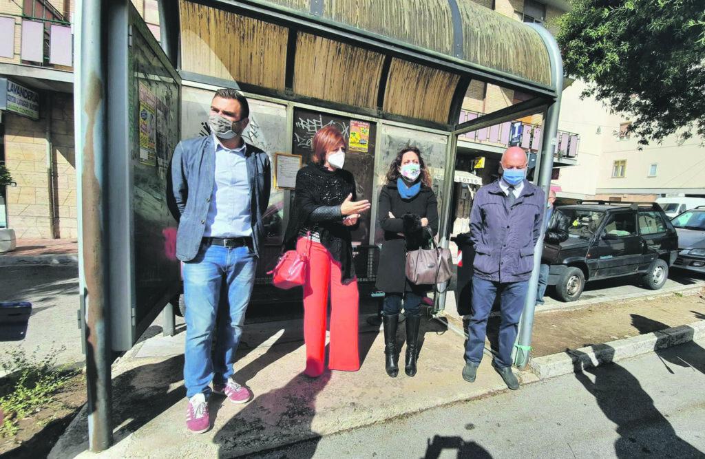 Manifesti no vax a Campobasso, il Pd insiste: «Gravina doveva fare qualcosa»