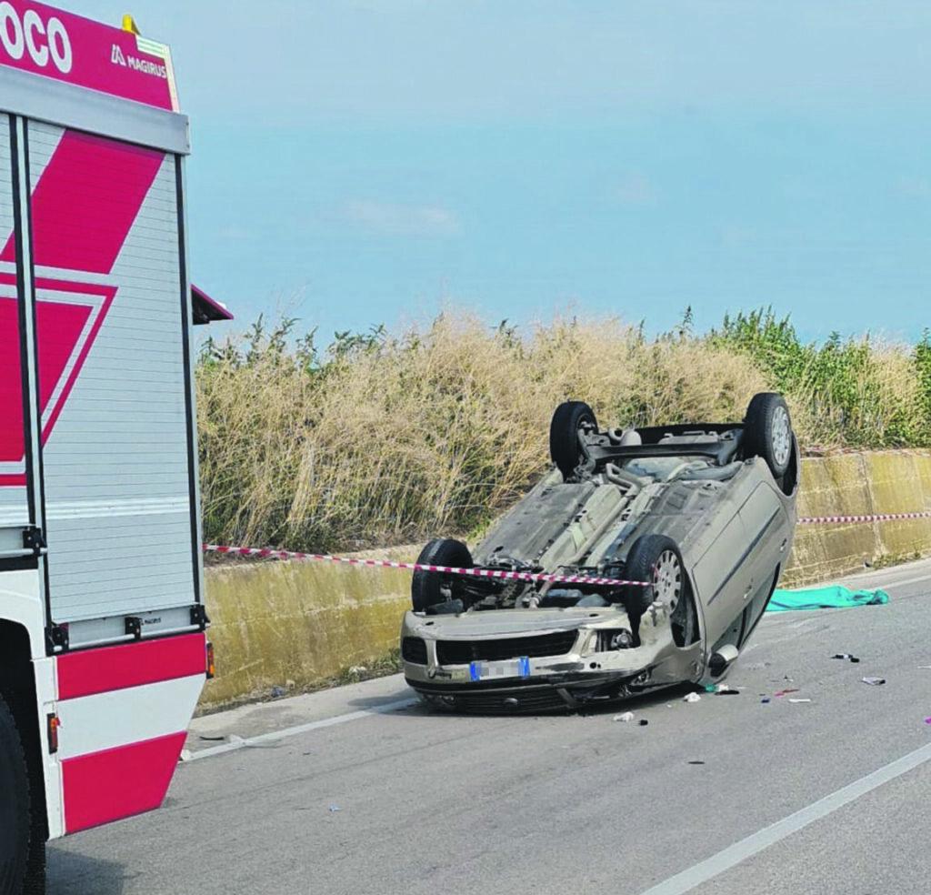Auto si ribalta sulla SP 51, muore bimba di 4 anni