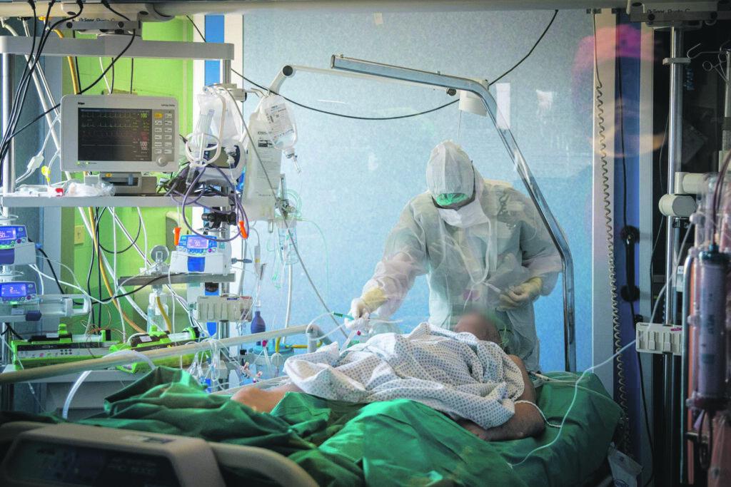 Sale l'occupazione in terapia intensiva: ricoverato 45enne